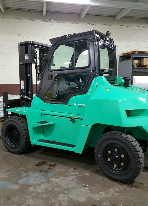 Mitsubishi Forklift with Automatic Fork Movement